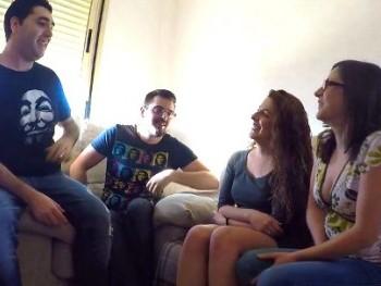 Quedamos con Sergio_y_bea (dos chicos de 24 a�os de Parejas.NET) para hacer un intercambio, �esto es ser swingers!.