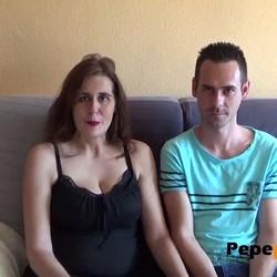 Ana y Agustín son solo amigos liberales, pero se deciden a  grabar porno casero. pepeporn.com