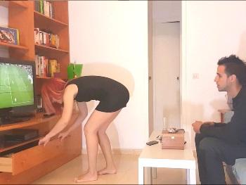 Con JUGUETES EN EL CULO me desengancha mi mujer de la consola. Sarita y sus test ANTIludopatía