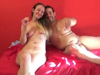 La MILF y su novio con POLLON XXL. Los gorditos la saben usar ;)